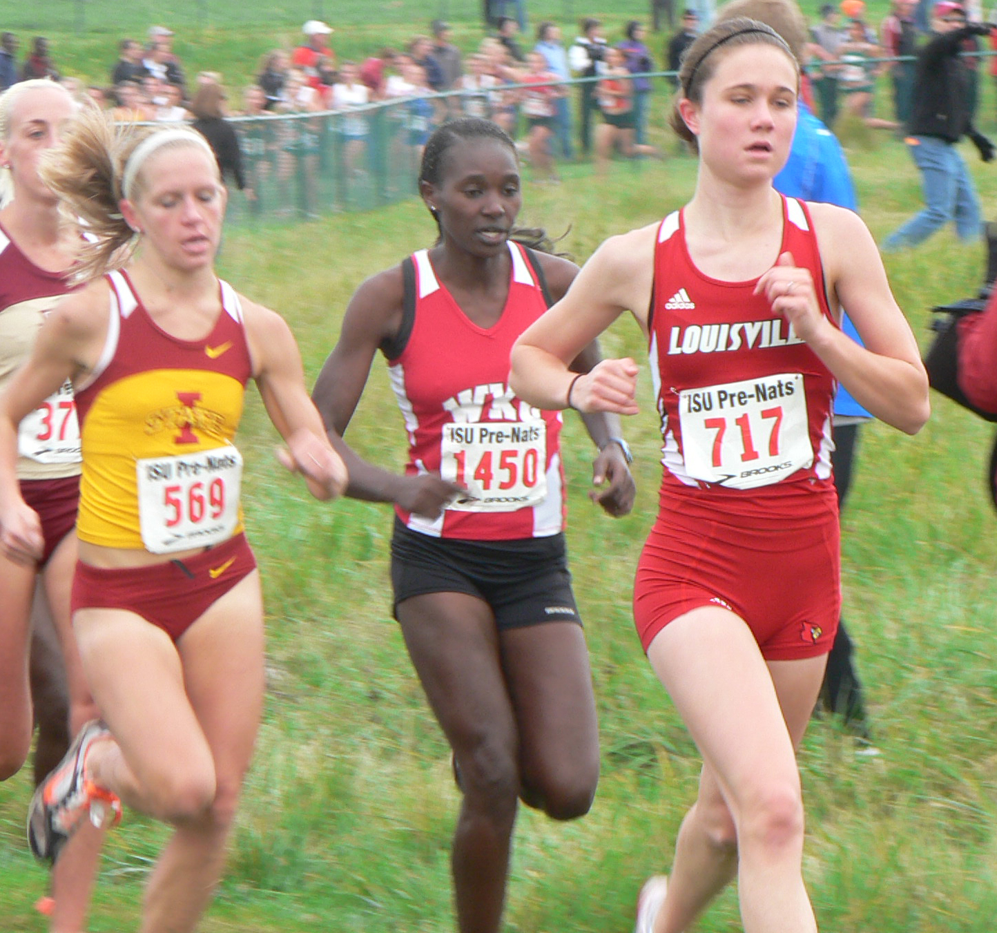 tarah-running-cross-country-for-louisville